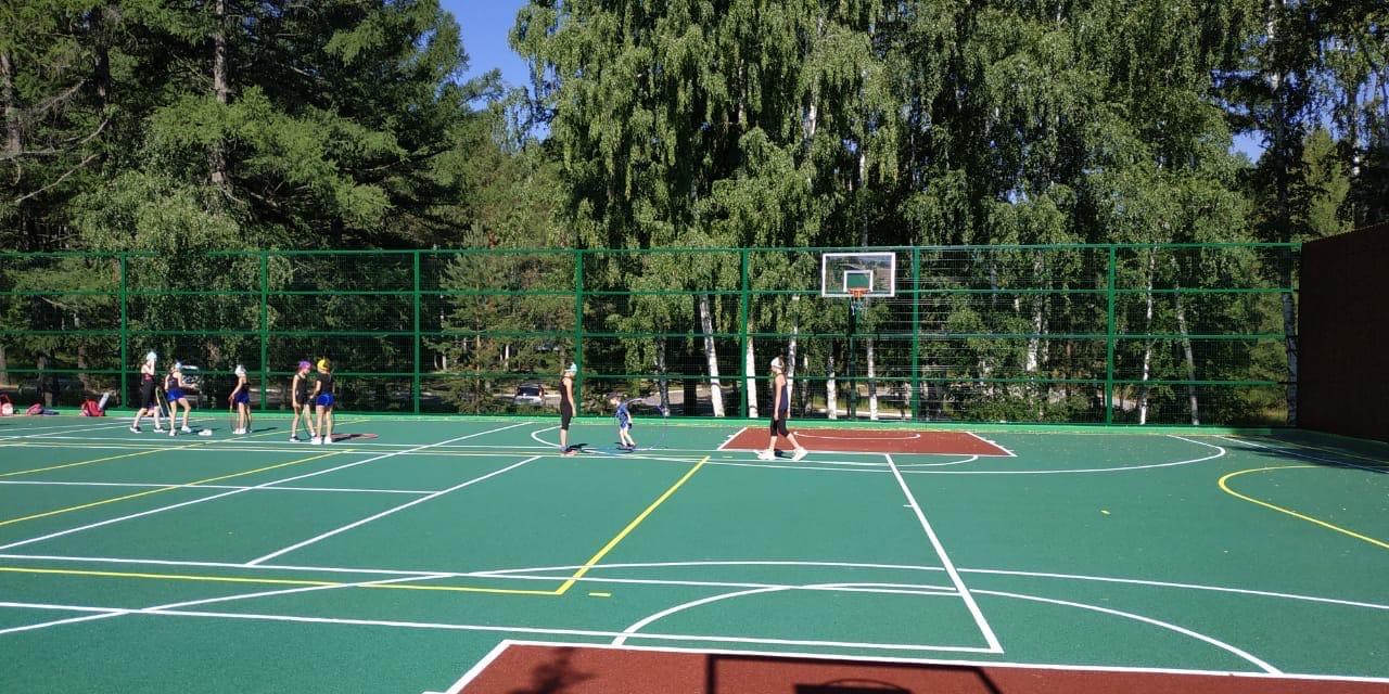 Спортивные площадки в Абзаково